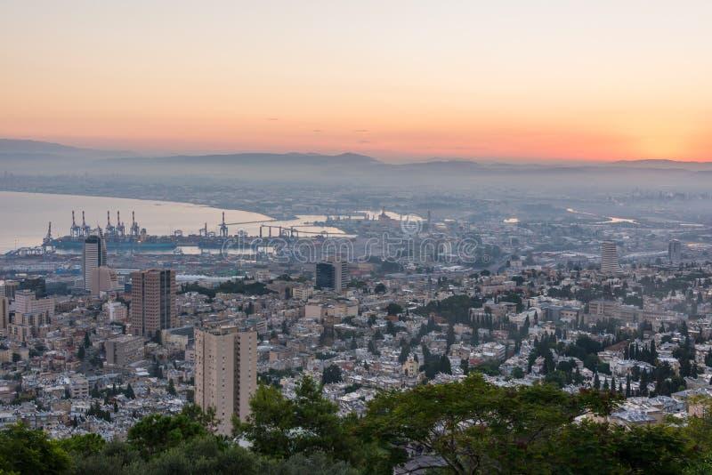 Salida del sol en Haifa de Louis Promenade fotos de archivo libres de regalías