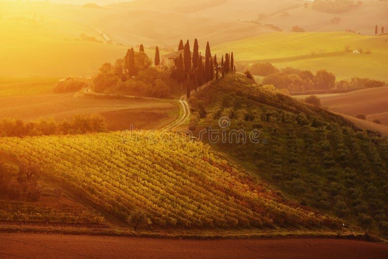 Salida del sol en Italia fotografía de archivo