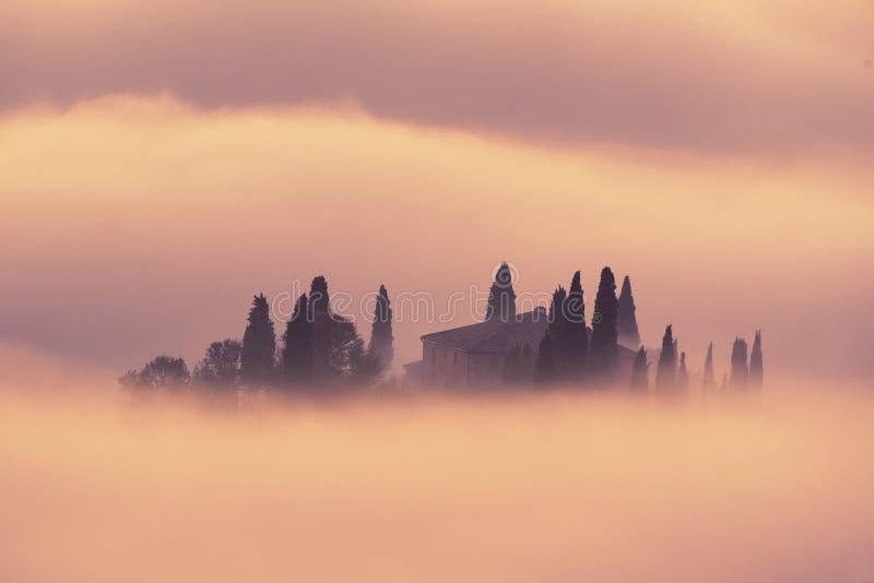 Salida del sol en Italia foto de archivo libre de regalías