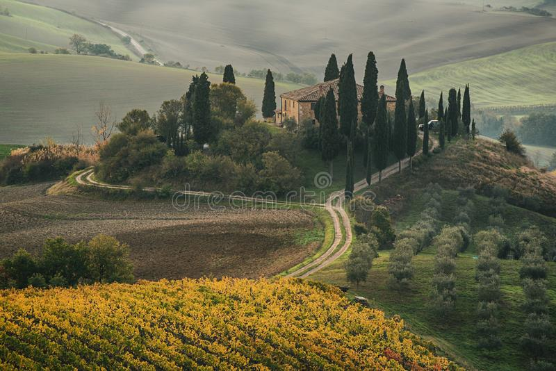 Salida del sol en Italia fotos de archivo