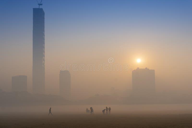 Salida del sol en Kolkata fotografía de archivo