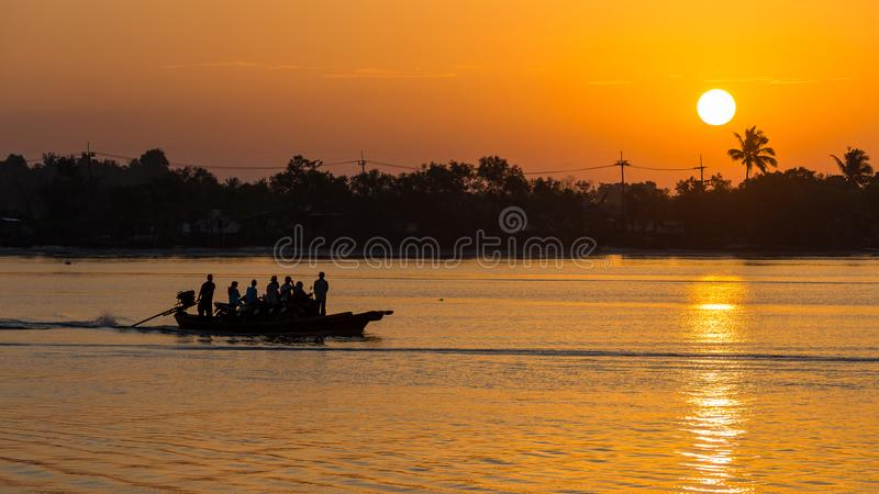 Salida del sol en Krabi imagen de archivo