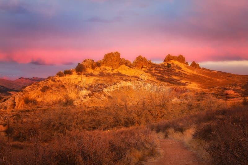 Salida del sol en la espina dorsal del ` s del diablo, el condado de Larimer, Colorado fotografía de archivo libre de regalías