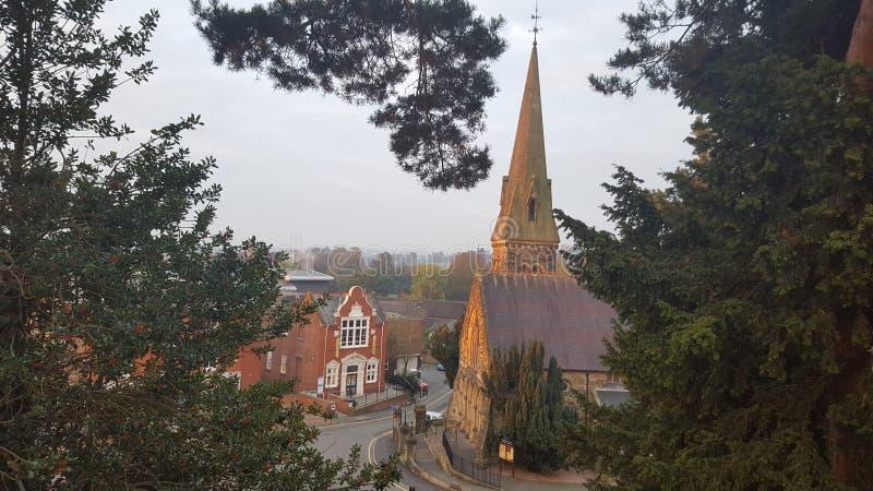Salida del sol en la iglesia Oswestry de Cristo foto de archivo libre de regalías