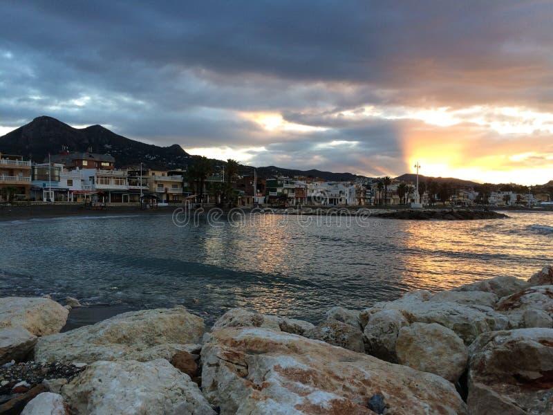 Salida del sol en la playa, Málaga, Andalucía, España imagen de archivo libre de regalías