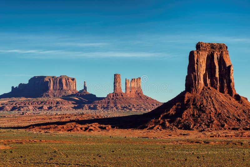 Salida del sol en las cazas Mesa, valle del monumento fotografía de archivo