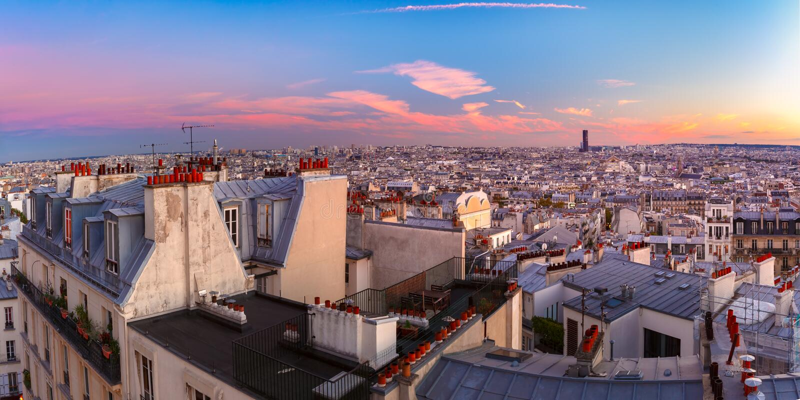 Salida del sol en París, Francia imágenes de archivo libres de regalías