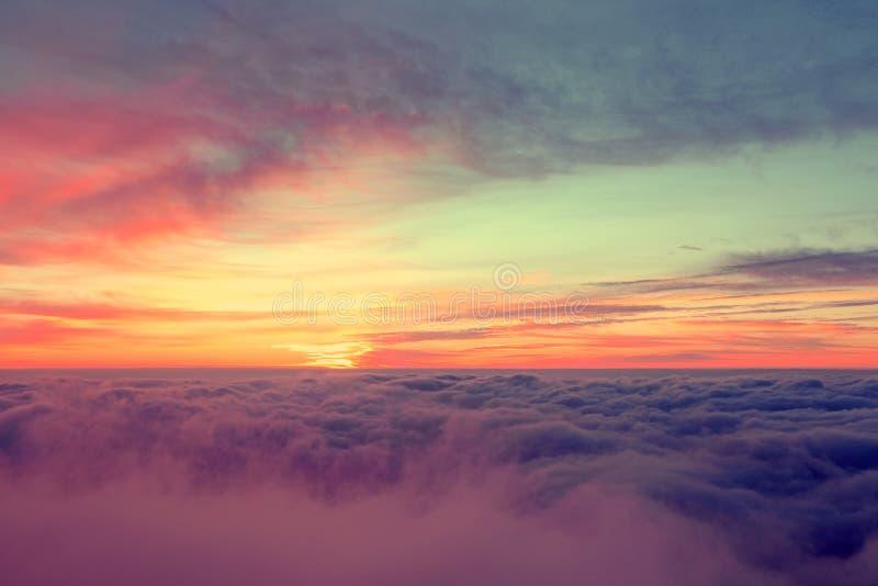 Download Salida Del Sol En Pico De Montaña Imagen de archivo - Imagen de golden, cielo: 64211779