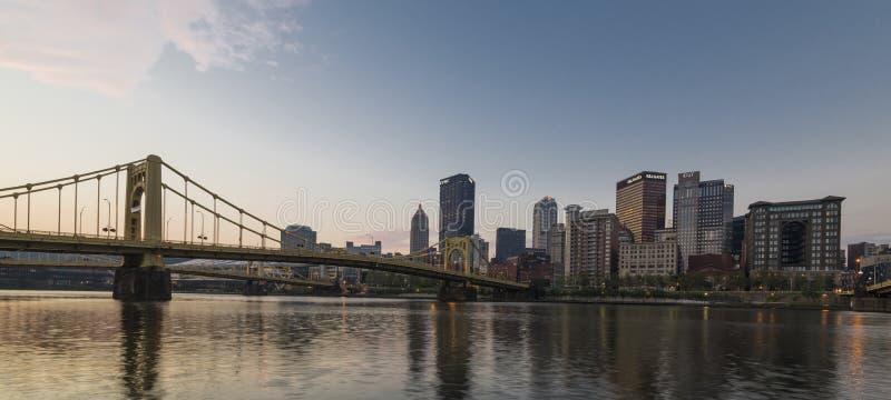 Salida del sol en Pittsburgh imagen de archivo