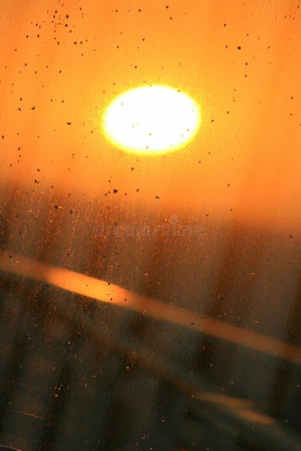 Salida del sol en una mañana lluviosa imágenes de archivo libres de regalías