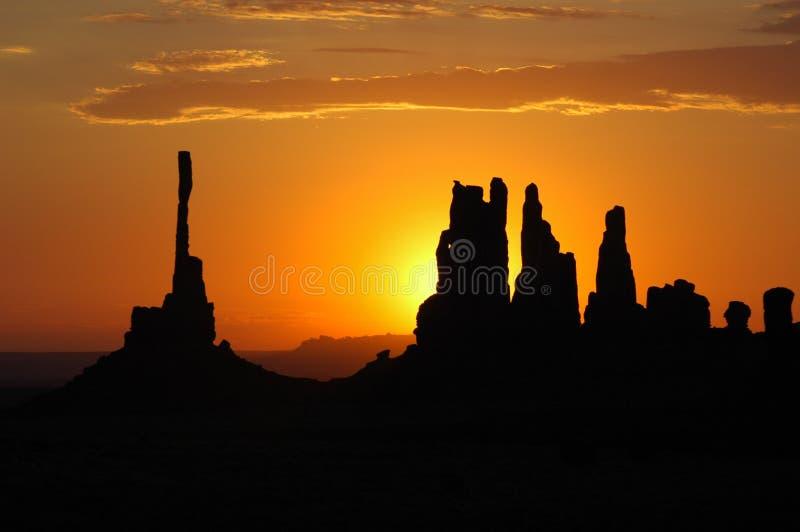 Salida del sol en valle del monumento fotografía de archivo libre de regalías