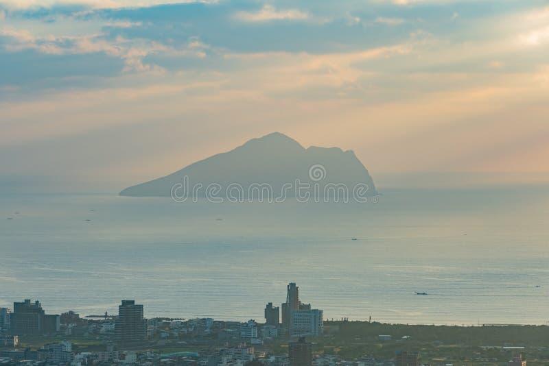 Salida del sol hermosa de la isla de Guishan imágenes de archivo libres de regalías