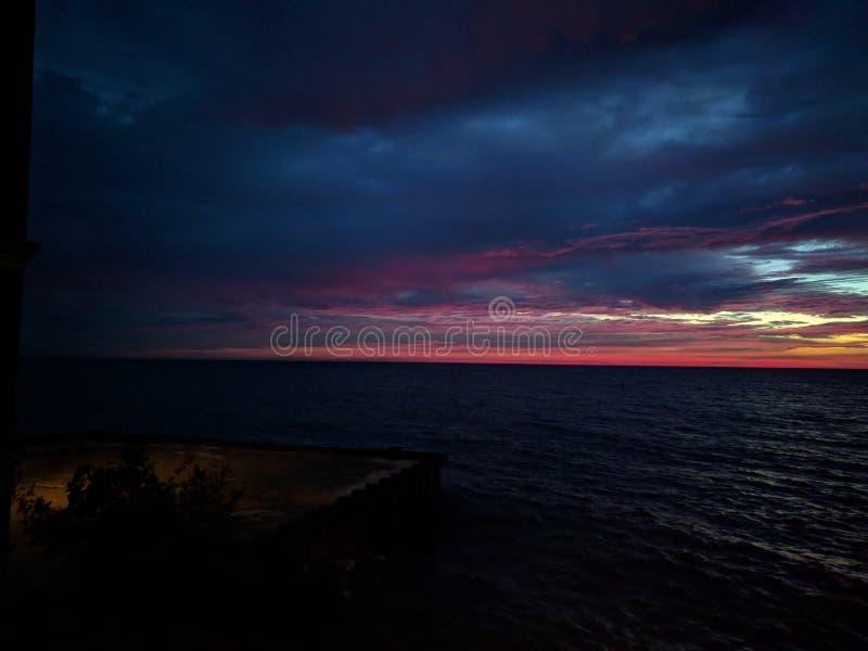 Salida del sol hermosa en el lago Michigan fotos de archivo libres de regalías