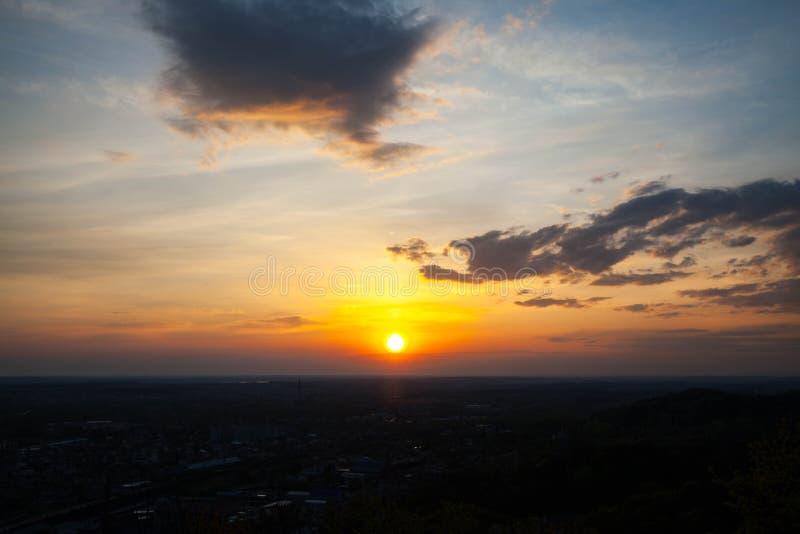 Salida del sol hermosa y divina imágenes de archivo libres de regalías
