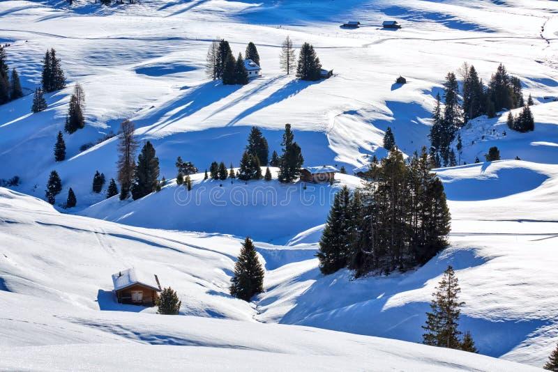 Salida del sol del invierno sobre Alpe di Siusi Dolomites, Italia fotografía de archivo libre de regalías