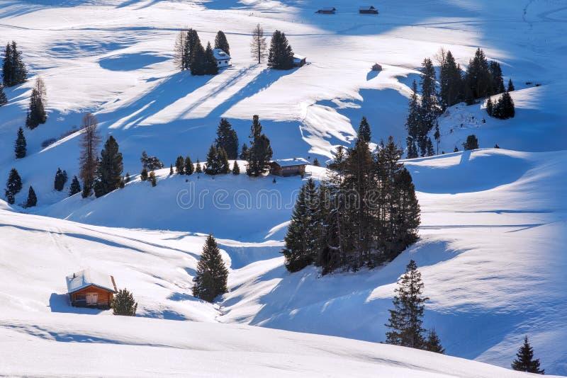 Salida del sol del invierno sobre Alpe di Siusi Dolomites, Italia fotos de archivo libres de regalías