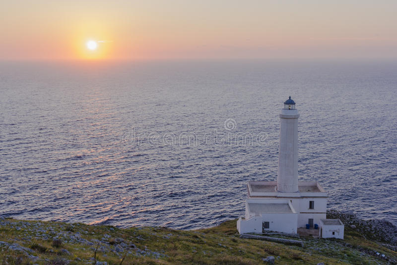 Salida del sol Otranto, faro Palascia imagenes de archivo