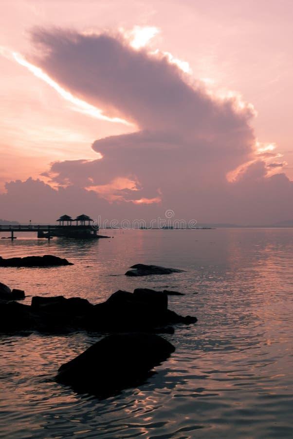 Salida del sol rosada imagen de archivo