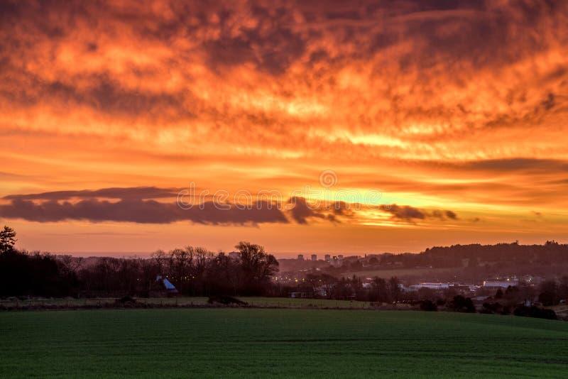 Salida del sol sobre Aberdeen imagenes de archivo