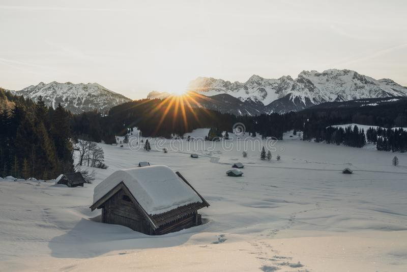 Salida del sol sobre el gerlodsee fotografía de archivo libre de regalías