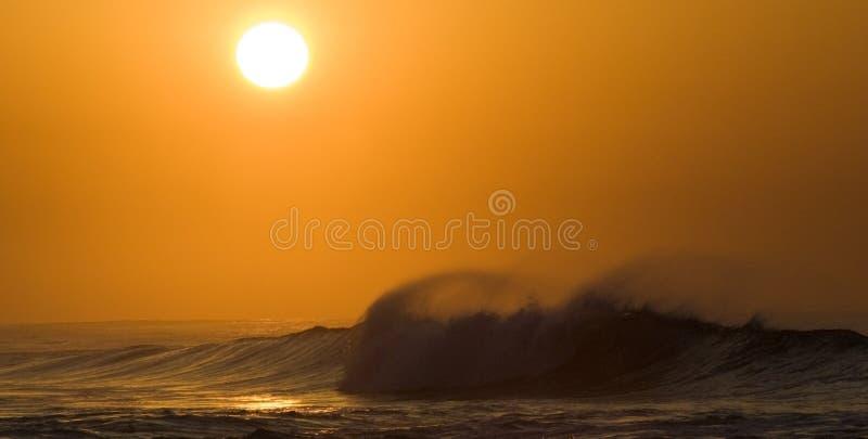 Salida del sol sobre el Océano Índico foto de archivo libre de regalías