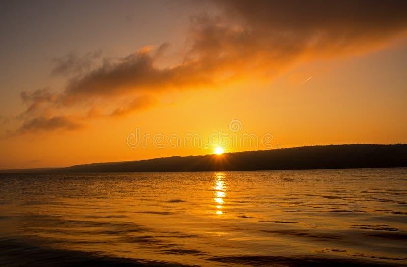 Salida del sol sobre gran ` de los sujetadores D o en bretón del cabo, Nova Scotia imagenes de archivo