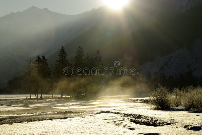 Salida del sol sobre las montan@as bávaras imagen de archivo libre de regalías
