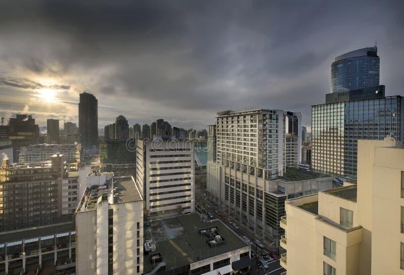 Salida del sol sobre Vancouver céntrica A.C. fotos de archivo libres de regalías