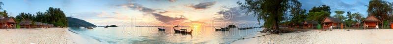 Salida del sol tropical foto de archivo libre de regalías