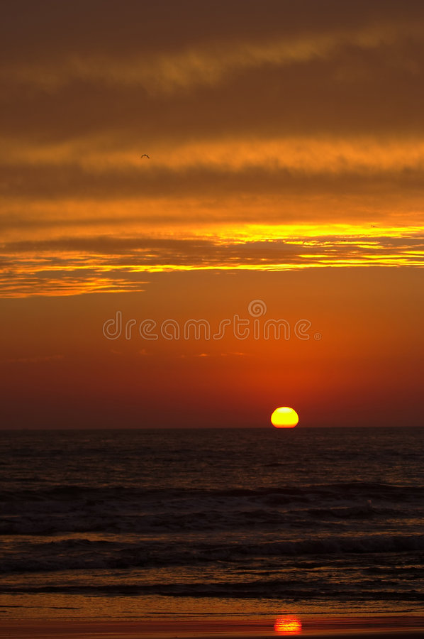 Salidas del sol y puesta del sol imagen de archivo libre de regalías