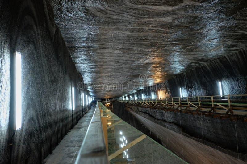 Salina Turda ist ein Salzbergwerk, das zu eine Untertagetouristenattraktion gemacht wird lizenzfreie stockfotos