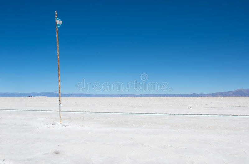 Salines Grandes et drapeau de l'Argentine images libres de droits