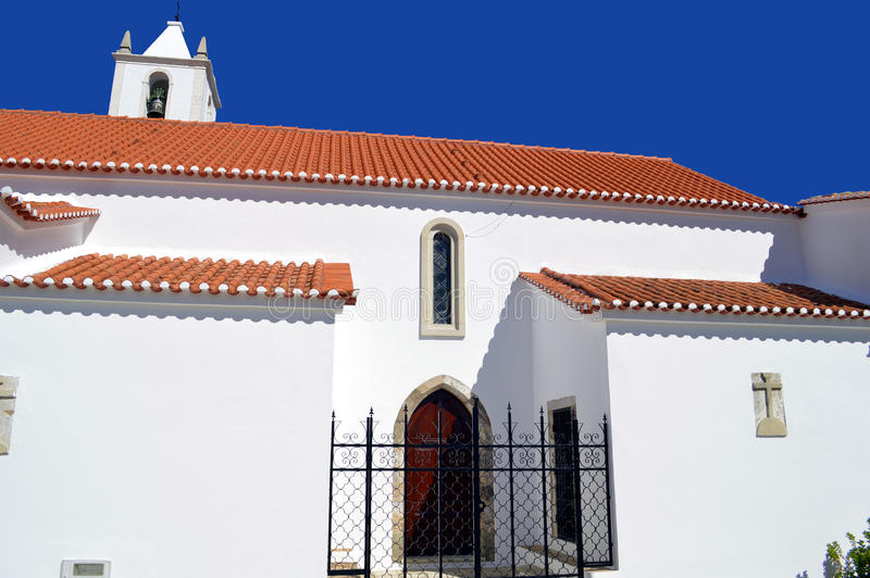 Salir阿尔加威的Serra de Monchique山脉的教区教堂 免版税库存照片