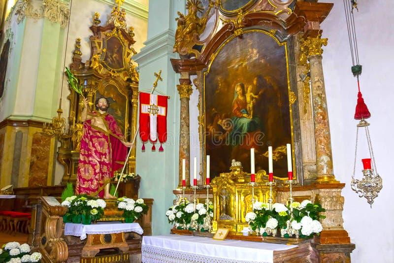 Salisburgo, Austria - 1° maggio 2017: Interno di Peter Abbey Church del san Fondato in 696 è considerato uno del più vecchio immagini stock
