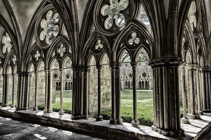 Salisbury domkyrka, agnificent geometrisk modell av den medeltida konsten royaltyfria foton