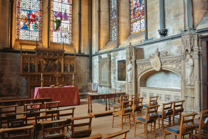 SALISBURY, INGLATERRA - 2 DE AGOSTO DE 2013: El interior del anglicano S foto de archivo libre de regalías