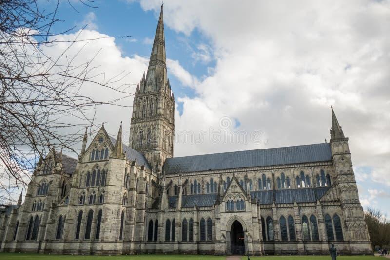 SALISBURY, WILTSHIRE/UK - 21 MAART: Buitenmening van Salisbury royalty-vrije stock foto