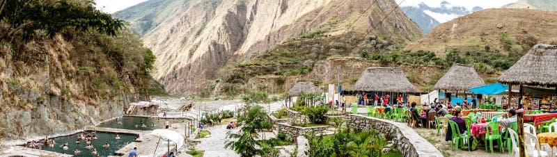 Salkantay bergvandring, Peru royaltyfri bild