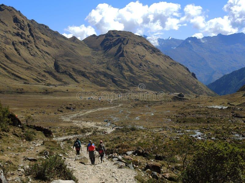 Download Salkantay Inca Trail Dans Cusco, Pérou Photo stock éditorial - Image du route, nowhere: 77154343