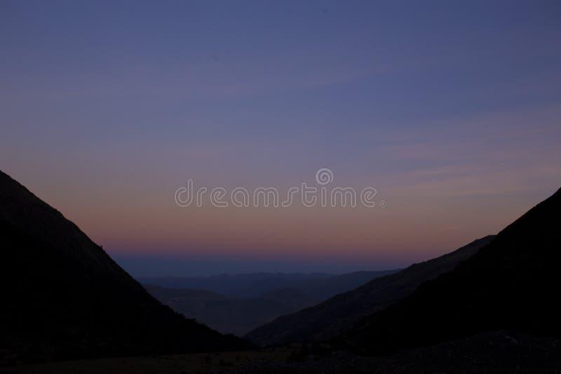 Salkantay solnedgång royaltyfria bilder