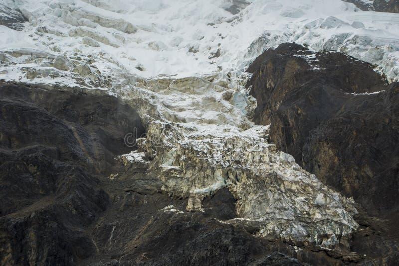 Salkantay som Trekking Peru royaltyfri foto