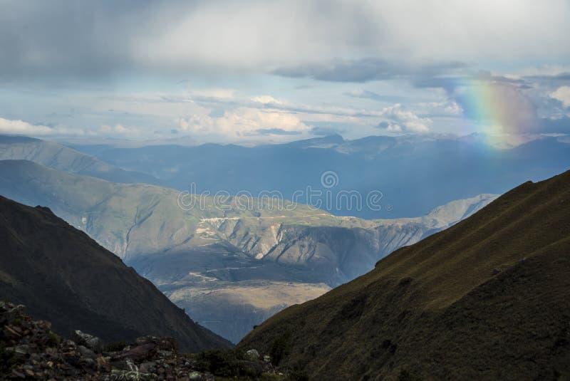 Salkantay som Trekking Peru arkivfoton