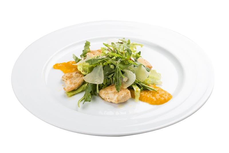 Sallad med grillade höna och mandlar royaltyfri foto
