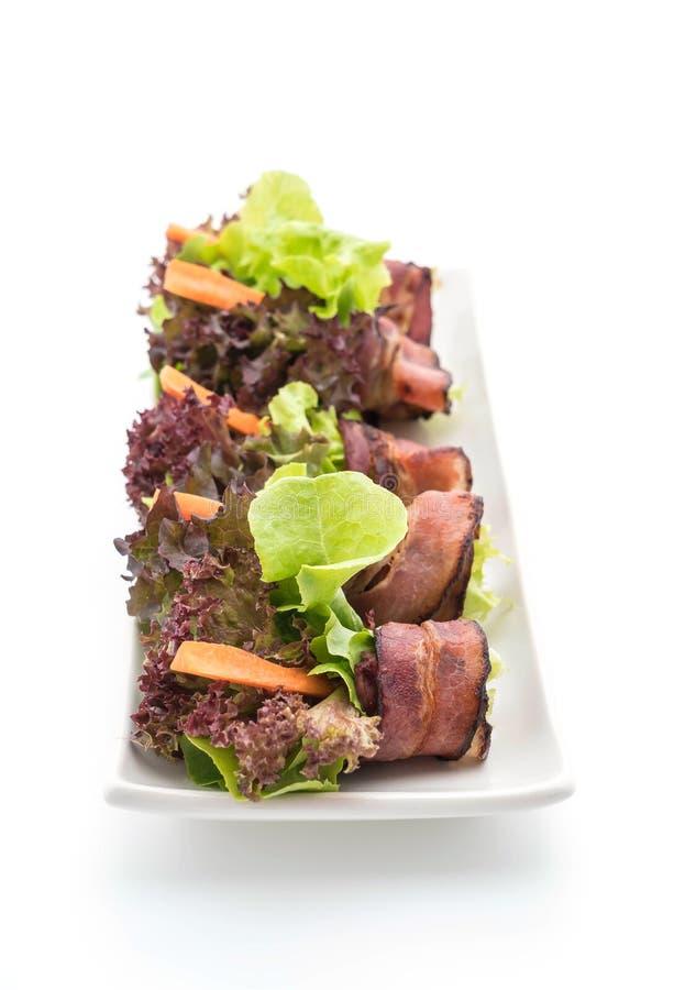 Download Salladrulle med bacon fotografering för bildbyråer. Bild av nudel - 106835175