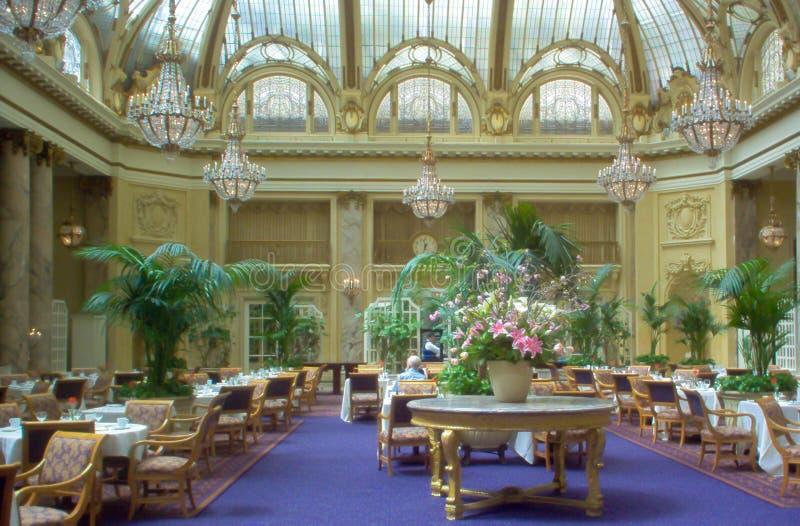 Salle à manger de Sheraton Palace Hotel Garden Court, San Francisco images libres de droits