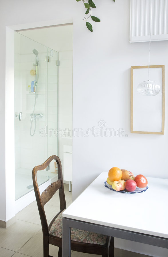 Salle à manger et salle de bains images stock