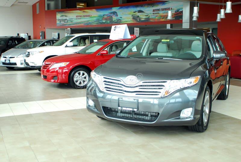 Salle d'exposition d'agence de Toyota photos libres de droits