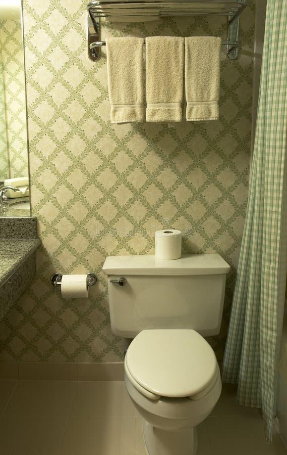 Salle de bains à l'hôtel photo libre de droits