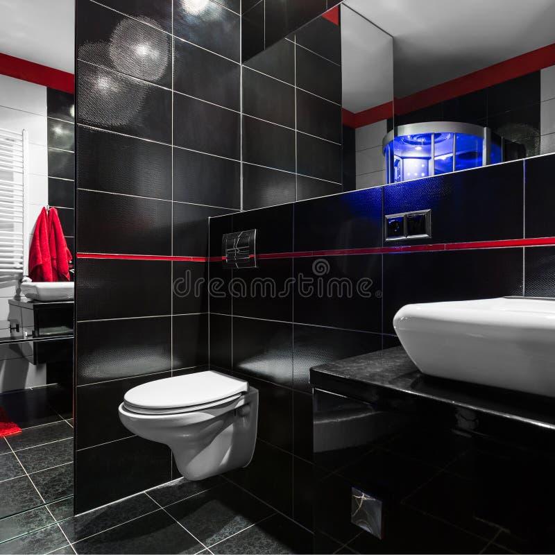 Salle de bains élégante et moderne photographie stock libre de droits