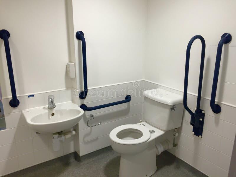 Salle de bains accessible d'handicap photos stock